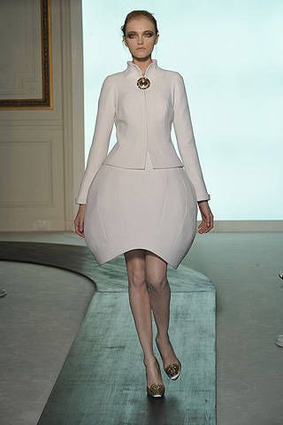 Valentino Fall 2008 Haute Couture Collections - 001