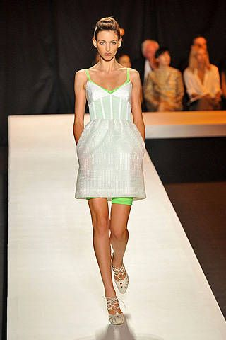 Isaac Mizrahi Spring 2009 Ready-to-wear Collections - 001