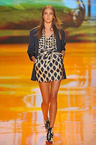 DKNY Spring 2009 Ready&#45&#x3B;to&#45&#x3B;wear Collections &#45&#x3B; 001