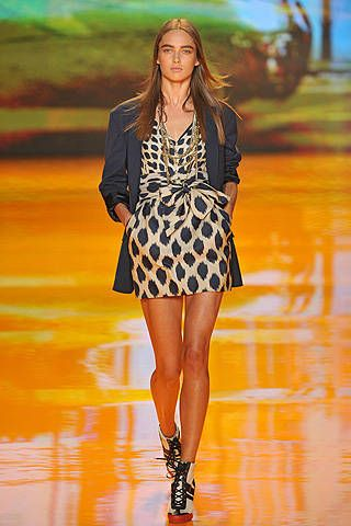 DKNY Spring 2009 Ready-to-wear Collections - 001
