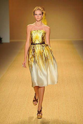 Monique Lhuillier Spring 2009 Ready&#45&#x3B;to&#45&#x3B;wear Collections &#45&#x3B; 001