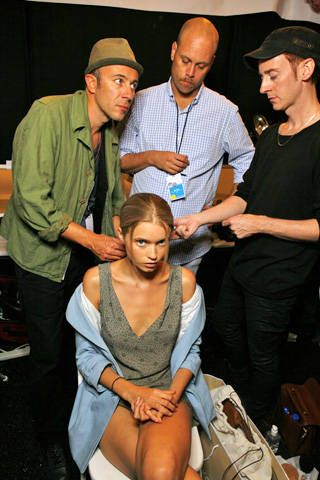HervÃ{{{copy}}} LÃ{{{copy}}}ger by Max Azria Spring 2009 Ready-to-wear Backstage - 001