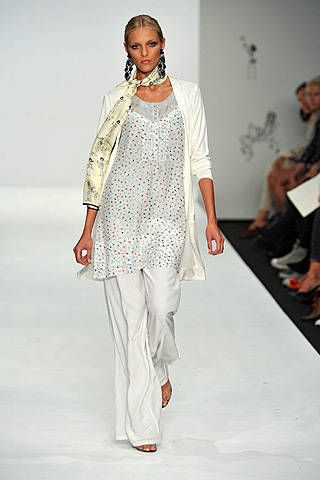 Issa Spring 2009 Ready&#45&#x3B;to&#45&#x3B;wear Collections &#45&#x3B; 001