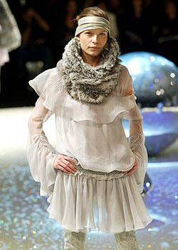 Emanuel Ungaro Fall 2003 Ready-to-Wear Collections 0001