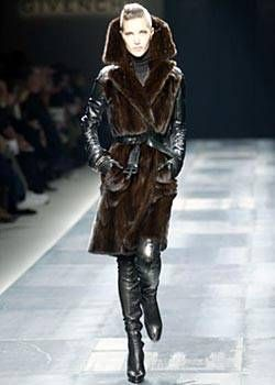 Givenchy Fall 2003 Ready-to-Wear Collections 0001