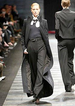 Lagerfeld Gallery Fall 2003 Ready-to-Wear Collections 0002