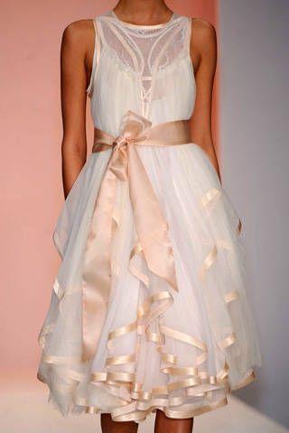 Bora Aksu Spring 2009 Ready&#45&#x3B;to&#45&#x3B;wear Detail &#45&#x3B; 001