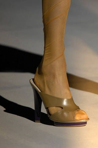 Alberta Ferretti Spring 2009 Ready-to-wear Detail - 001