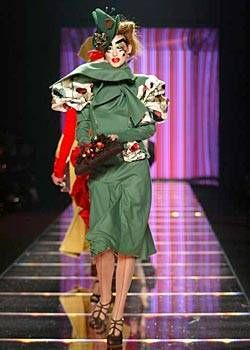 John Galliano Fall 2003 Ready-to-Wear Collections 0001