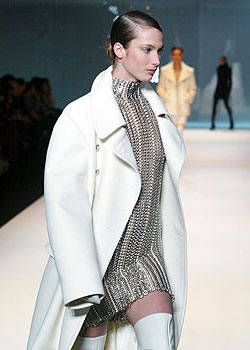 Paco Rabanne Fall 2003 Ready-to-Wear Detail 0001