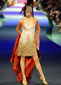 Christian Lacroix Fall 2003 Haute Couture Collections 0001