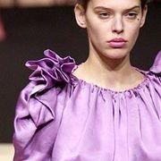 Vivienne Westwood Fall 2003 Ready-to-Wear Detail 0001