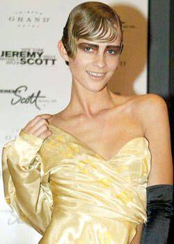 Jeremy Scott Fall 2003 Ready-to-Wear Detail 0001