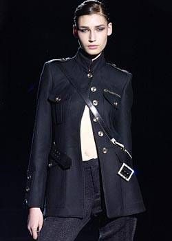 Luca Luca Fall 2003 Ready-to-Wear Detail 0001