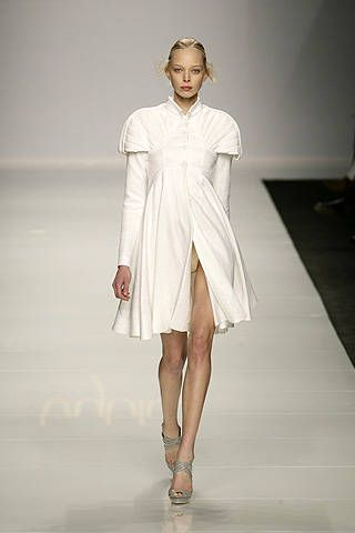 Byblos Spring 2009 Ready-to-wear Collections - 001