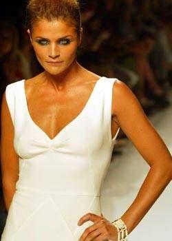 Emanuel Ungaro Fall 2003 Haute Couture Detail 0001