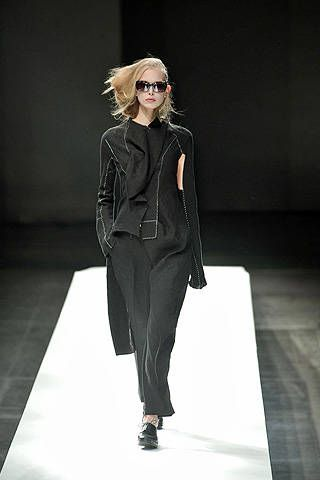 Yohji Yamamoto Spring 2009 Ready-to-wear Collections - 001