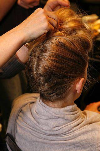Max Mara Spring 2009 Ready&#45&#x3B;to&#45&#x3B;wear Backstage &#45&#x3B; 001