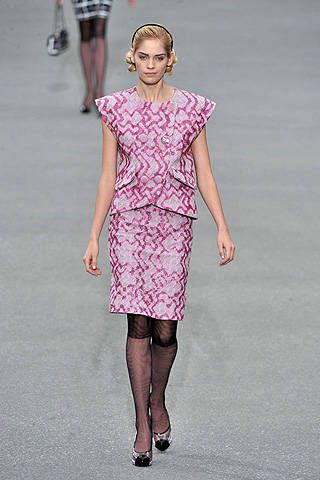 Chanel Spring 2009 Ready&#45&#x3B;to&#45&#x3B;wear Collections &#45&#x3B; 001