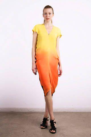 Clothing, Sleeve, Human body, Shoulder, Human leg, Dress, Joint, One-piece garment, Style, Formal wear,