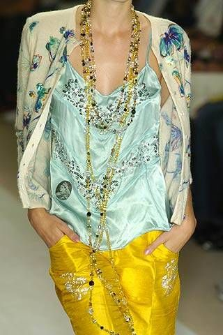 Clothing, Yellow, Textile, Style, Fashion show, Fashion model, Fashion, Neck, Street fashion, Fashion design,