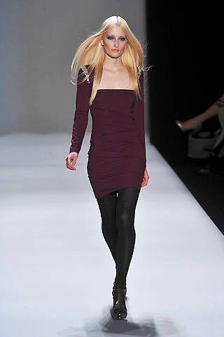 Leg, Lip, Shoulder, Joint, Human leg, Dress, Fashion show, Style, Fashion model, Waist,