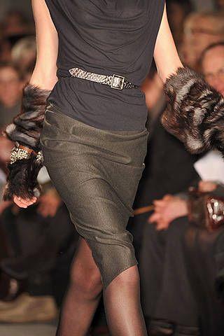 Human leg, Joint, Thigh, Fashion, Black, Waist, Muscle, Calf, Hip, Foot,
