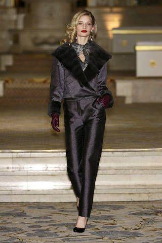 Clothing, Outerwear, Style, Fashion show, Fashion model, Street fashion, Fashion, Runway, Jewellery, Model,