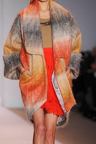 Sleeve, Shoulder, Textile, Human leg, Joint, Red, Style, Wrap, Orange, Fashion,
