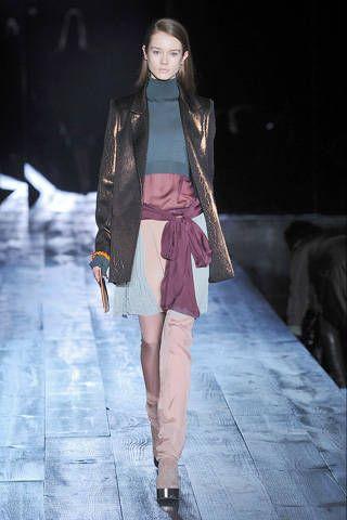 Clothing, Brown, Fashion show, Human body, Jacket, Outerwear, Runway, Style, Fashion model, Street fashion,