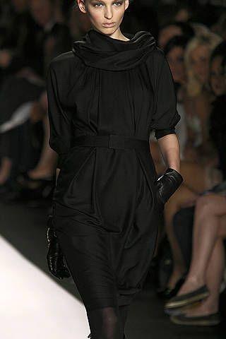 Clothing, Shoulder, Joint, Fashion show, Fashion model, Style, Dress, Fashion, Runway, Fashion design,