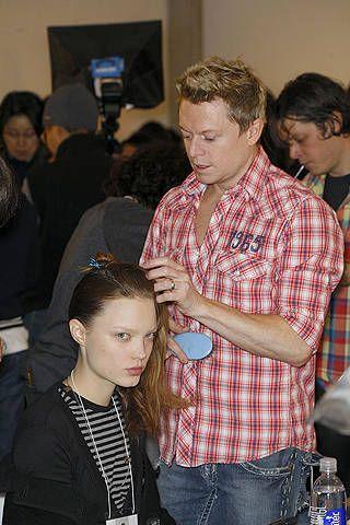 Hair, Face, Head, Ear, Plaid, Tartan, Pattern, Style, Plastic bottle, Jewellery,