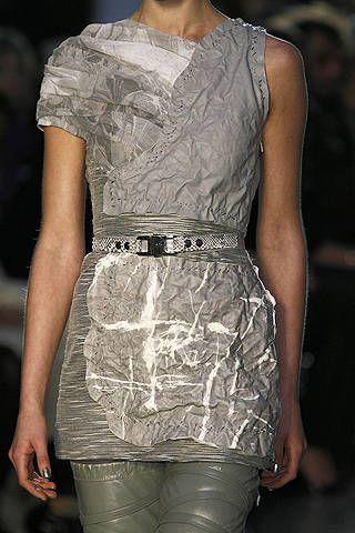 Sleeve, Shoulder, Textile, Joint, Style, Dress, One-piece garment, Pattern, Fashion, Neck,