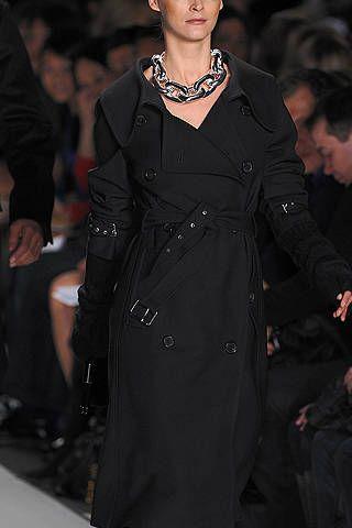 Human body, Outerwear, Fashion model, Style, Jewellery, Fashion, Fashion show, Fashion design, Necklace, Runway,