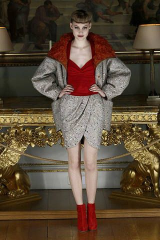Textile, Red, Fashion accessory, Fashion, Lampshade, Carmine, Boot, Fur, Red hair, Natural material,