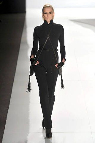 Sleeve, Standing, Joint, Style, Formal wear, Knee, Fashion model, Blazer, Waist, Street fashion,