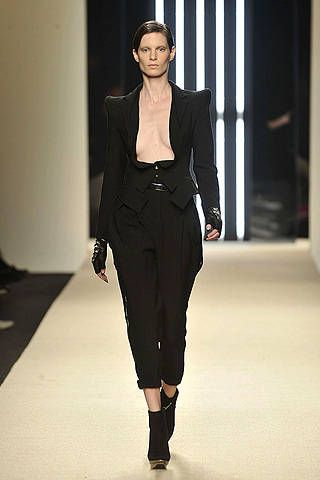 Clothing, Fashion show, Sleeve, Shoulder, Joint, Fashion model, Runway, Style, Formal wear, Knee,