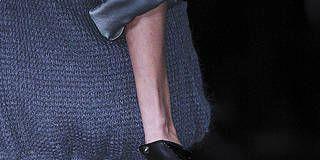 Bag, Style, Fashion, Shoulder bag, Silver, Strap, Leather, Buckle, Still life photography, Pocket,