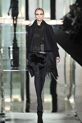 Sleeve, Fashion show, Outerwear, Runway, Fashion model, Style, Street fashion, Fashion, Leather, Model,