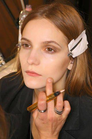 Finger, Lip, Hairstyle, Forehead, Eyebrow, Eyelash, Style, Earrings, Amber, Beauty,