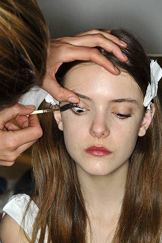 Finger, Lip, Cheek, Brown, Hairstyle, Skin, Chin, Forehead, Eyebrow, Eyelash,