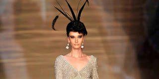 Shoulder, Fashion show, Style, Runway, Fashion model, Fashion, Neck, Beauty, Black hair, Street fashion,