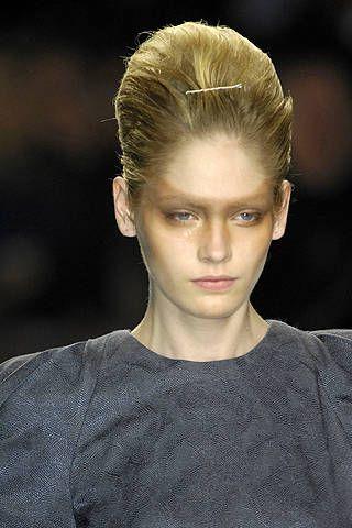 Hair, Head, Ear, Lip, Hairstyle, Forehead, Eyebrow, Style, Eyelash, Beauty,