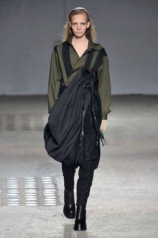 Product, Sleeve, Human body, Textile, Joint, Style, Fashion show, Fashion model, Fashion, Knee,