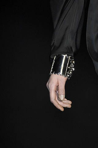 Finger, Wrist, Jewellery, Black, Darkness, Body jewelry, Thumb, Nail, Gesture, Silver,