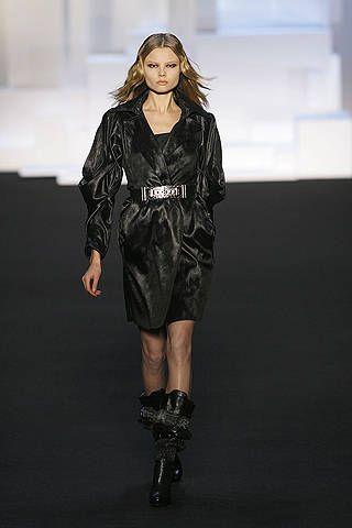 Clothing, Shoulder, Joint, Dress, Fashion show, Style, Fashion model, Knee, Runway, Fashion,