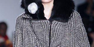 Clothing, Sleeve, Shoulder, Textile, Outerwear, Fashion show, Fashion model, Style, Winter, Street fashion,