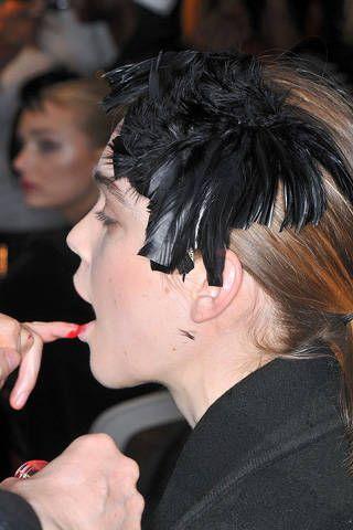 Lip, Finger, Hairstyle, Chin, Forehead, Eyebrow, Style, Black hair, Fashion, Neck,