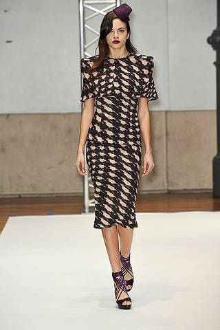 Clothing, Sleeve, Shoulder, Dress, Fashion show, Joint, Style, Fashion model, Pattern, Runway,