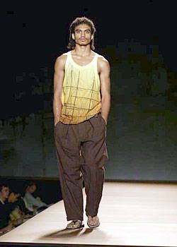 Miguel Adrover Spring 2004 Ready-to-Wear Collections 0001